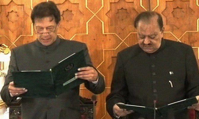 इमरान खान बने पाकिस्तान के नवाब, जानियें कैसा है इनका सियासी करियर