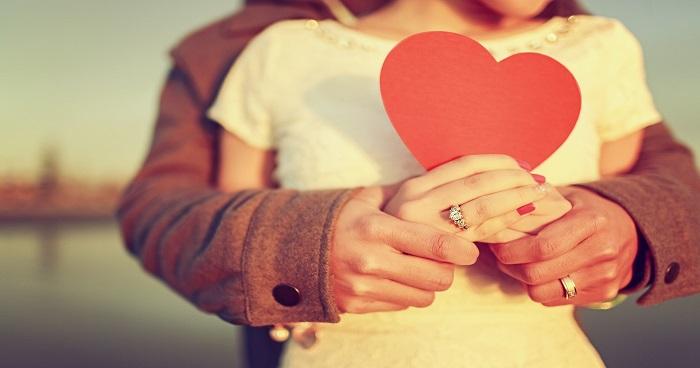 प्यार होने लगे फीका-फीका, तो कुछ यूं लगाएं रिश्ते में तड़का