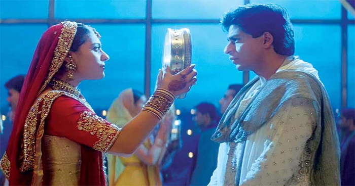 करवा चौथ : चांद की पूजा के बाद छलनी से पति का चेहरा इस वजह से देखा जाता है, जानिए