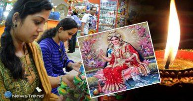घर में चाहते हैं सुख शांति और समृद्धि तो दिवाली के दिन खरीदें लक्ष्मी माता की यह तस्वीर