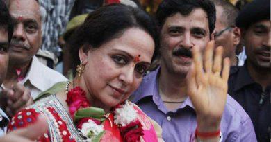 भीड़ के सामने जब हेमा मालिनी ने कहा- भाग धन्नो बसंती का इज्जत का सवाल है.....!