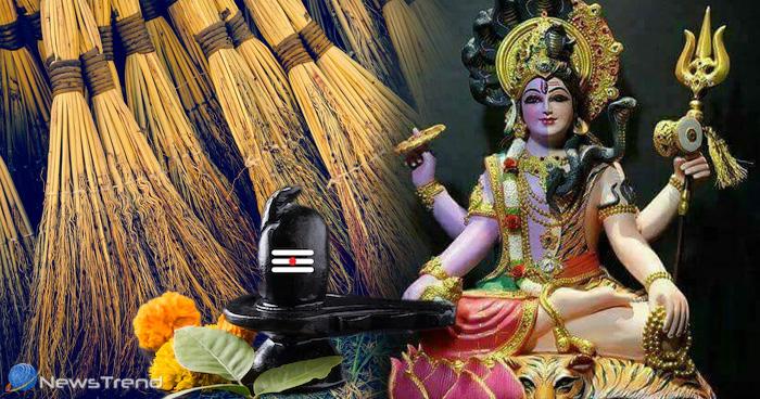 इस मंदिर में झाड़ू चढ़ाने वालों की मन्नत होती है पूरी