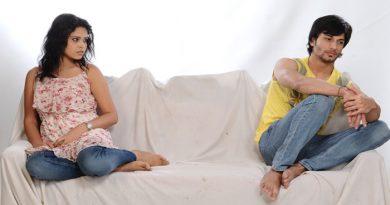 कभी ना दें पति की इन बातों में दखल, बिगड़ सकती है बात