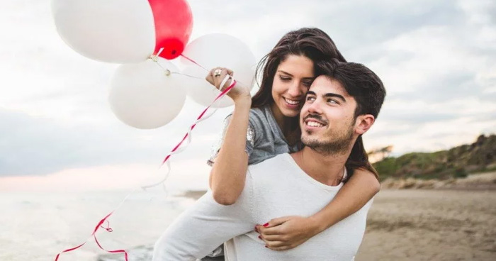 ताउम्र रिश्ते को बनाए रखना चाहते हैं मजबूत, तो भूलकर भी पार्टनर के साथ न करें ये 4 काम
