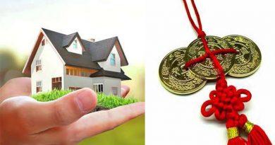 घर में लाल रिबन में बंधे सिक्कों को लगाने से बदल जाती है किस्मत
