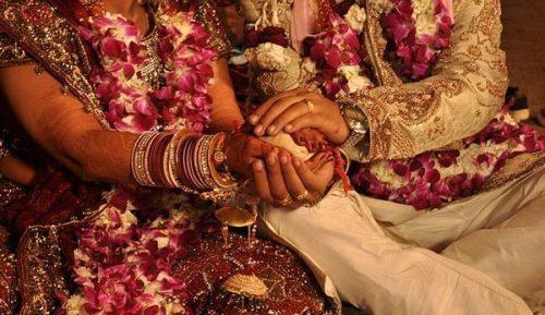 शादी को हुए महज 1 घंटे, साथ में खाया खाना और उसके बाद हो गया तलाक, वजह जान उड़ जाएंगे आपके होश