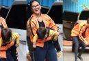 Video: सनी लियॉन के जुड़वा बच्चे हुए बेकाबू, मीडिया को देख मम्मी की गोद से उतर करने लगे ऐसी हरकत