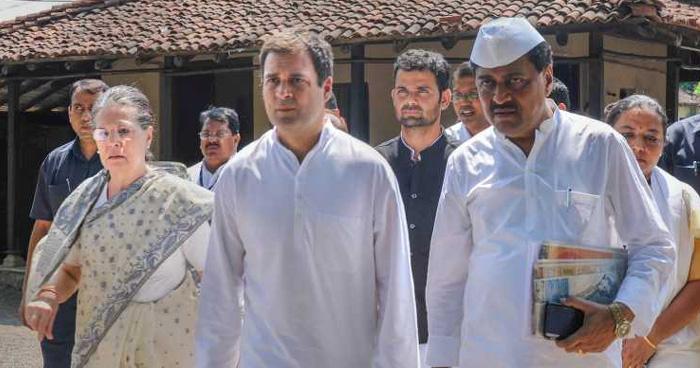 दिल्ली का मीना बाज़ार हो गई कांग्रेस, पुराने ग्राहक ही आते हैं घूमने: शिवसेना