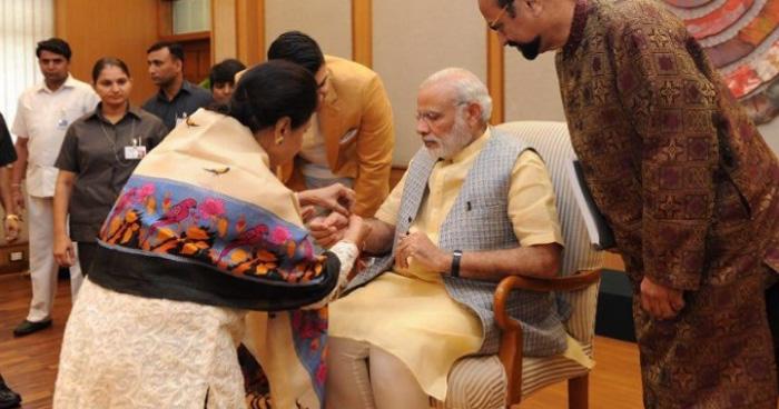 मोदी को राखी बांधने पाकिस्तान से दिल्ली पहुंची क़मर जहां, कहा- ''गर्व है मैं पीएम की बहन हूं''