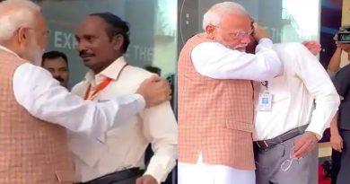 खुल गया राज: ISRO अध्यक्ष को गले लगाते हुए PM मोदी ने कान में बोली थी ये बात