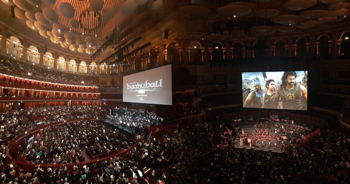 Photo of 'बाहुबली' के लिए लंदन के 'द रॉयल अल्बर्ट हॉल' में गूंजी तालियां, हर तरफ हो रही फिल्म की वाहवाही