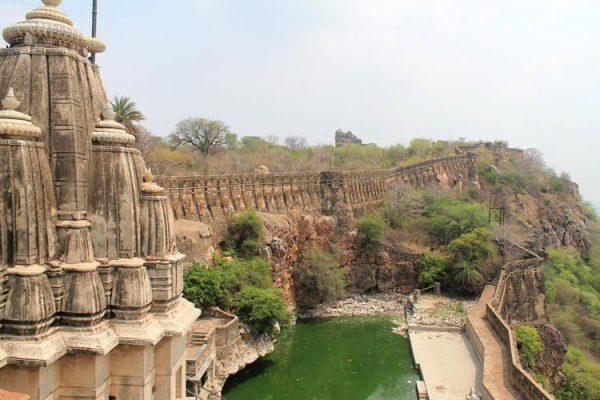 Image result for चित्तौड़गढ़ किले के अंदर हैं एक बेहद ही सुंदर महल है।