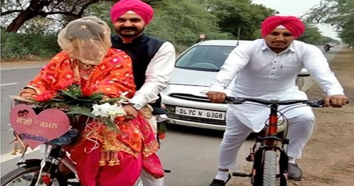 Photo of Video: दुल्हा साईकिल से बारात लेकर आया और दुल्हन को आगे डंडे पर बैठा घर ले गया, वजह चौका देगी