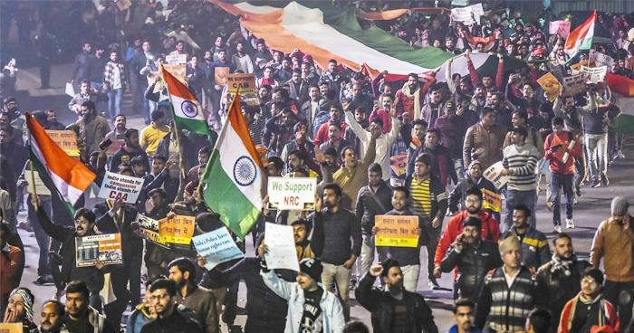 Photo of CAA के समर्थन में उतरी हजारों हस्तियां, कहा-'लोग फैला रहे हैं डर…'