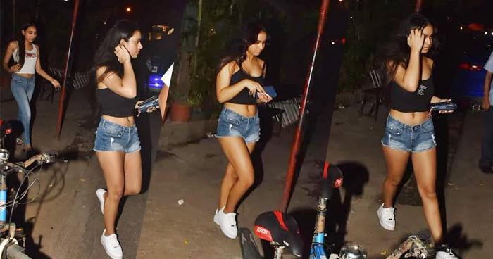 देर रात बस स्टॉप पर स्पॉट हुई अजय देवगन की बिटिया, तस्वीरों में दिखा ग्लैमरस लुक