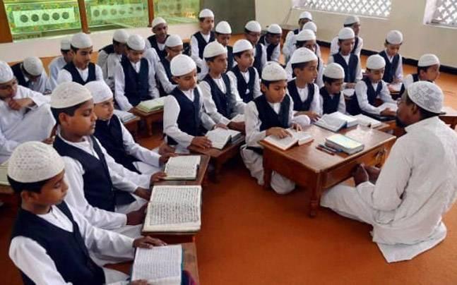 Photo of असम सरकार की 614 सरकारी मदरसों को बंद करने की घोषणा, जनता के पैसे से नहीं पढ़ाएंगे धार्मिक पाठ