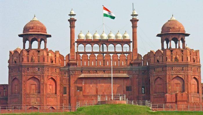 राम मंदिर से पहले इंदिरा ने लाल किले ...