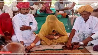 Photo of 50 मुस्लिम परिवारों ने अपनाया हिन्दू धर्म, बोले 'मुगलकाल मे ज़बरन बना दिया गया था मुस्लिम'