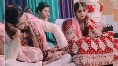 bride-and-groom-got-bored-on-the-pavilion-watch-viral-video