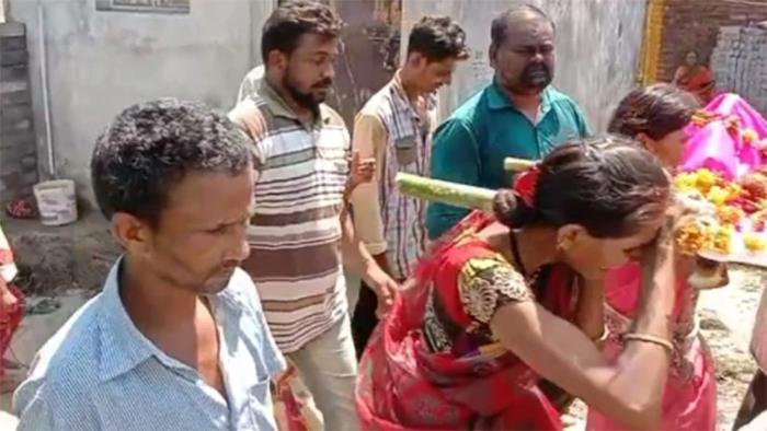 maharashtra-funeral-daughter-panchayat-punishment