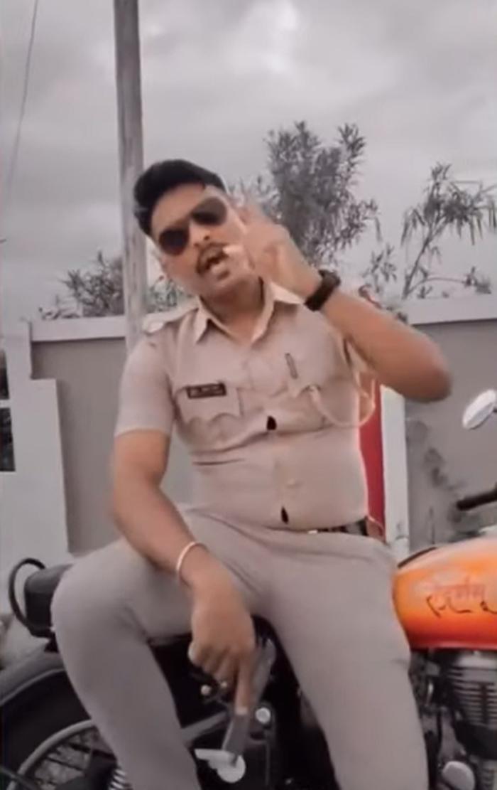 amravati-police-constable-mahesh-kale-suspended