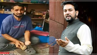 himachali-national-hockey-player-subhash-chand-making-shoes-for-earning