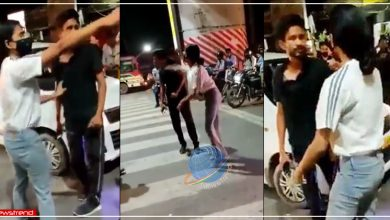 lucknow-young-woman-beat-cab-driver-on-the-road