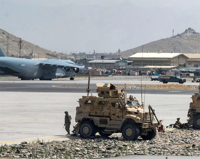 us military disabled aircraft before leaving kabul airport