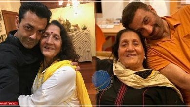 sunny deol mother