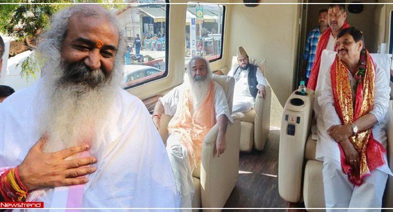 acharya pramod krishnam-with-shivpal-singh-yadav